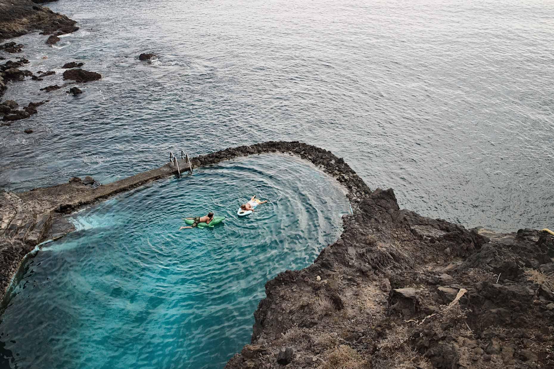 Tidal pools by photographer pim vuik for Piscinas naturales en el sur de tenerife